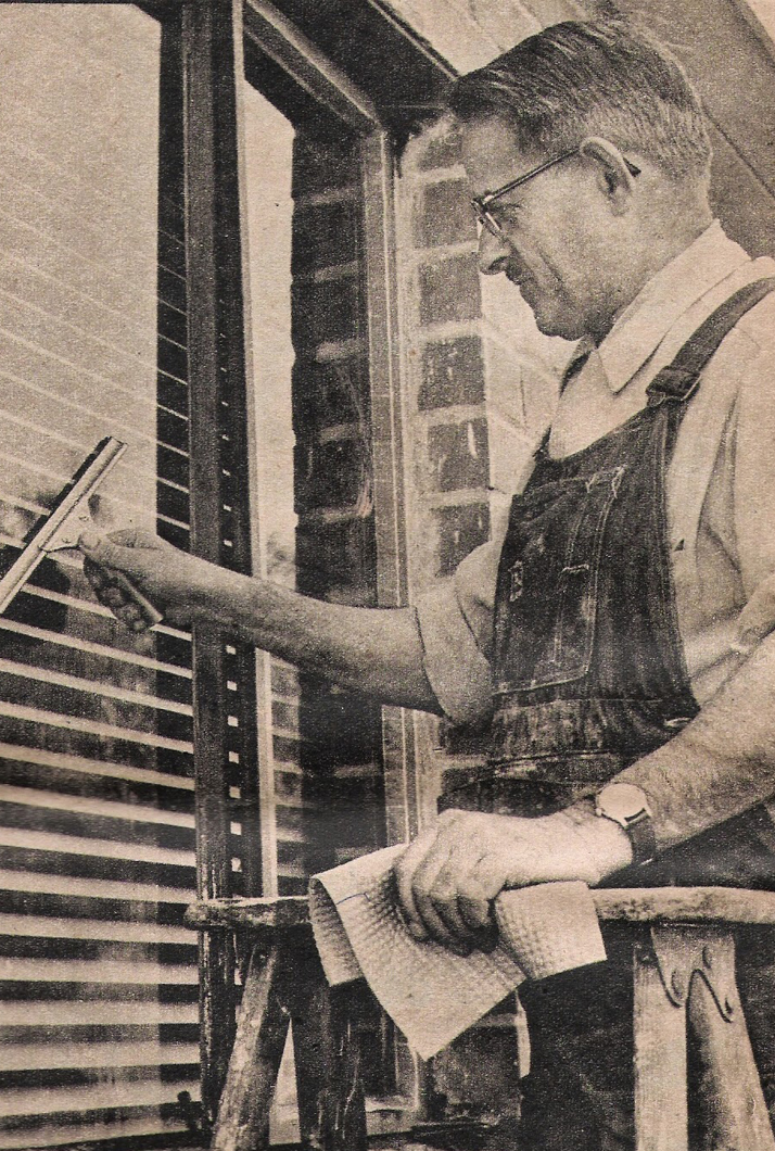 Ettore working with one of his original squeegees